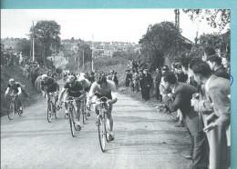 Cyclisme Sur Route Paris - Tours  Cpm Nouvelle République Pour La100 ème  1952 Jacques Dupont Relance La Poursuite - Ciclismo