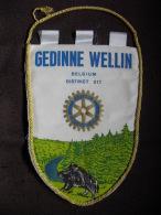 VINTAGE FANION:    GEDINNE  WELLIN.   DISTRICT 217.  BELGIQUE  -   ROTARY   INTERNATIONAL. - Organisations