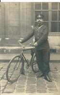 Carte- Photo   Facteur (?)  Et Son Vélo - Postal Services