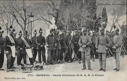 CARTE POSTALE ORIGINALE ANCIENNE : MONACO ; GARDE D'HONNEUR DE S. A. S. LE PRINCE ; ANIMEE ; PRINCIPAUTE DE MONACO - Palais Princier