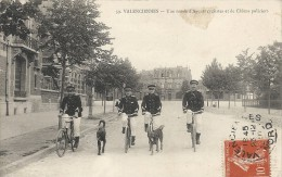 RONDE D' AGENTS CYCLISTES ET DE CHIENS POLICIERS - Valenciennes