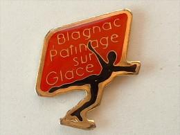 Pin´s FEMME - BLAGNAC PATINAGE SUR GLACE - Pin-ups