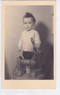 CARD PHOTO BIMBO CON GIOCATTOLO CAVALLO IN LEGNO   -FP-N-2-- 0882 -24017 - Games & Toys