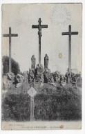 (RECTO / VERSO) NOTRE DAME D' ARLIQUET EN 1918 - LE CALVAIRE - CPA - COUPURE IMPORTANTE EN BAS A DROITE - France