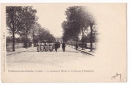 FONTENAY LE COMTE. - Le Boulevard Foch Et La Caserne D´Infanterie. Carte Précurseur - Fontenay Le Comte