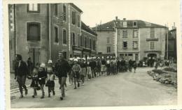 CHALUS - Carte Photo De L´Embarquement De La Colonie De St Georges De Didonne Défilé Des Enfants Déguisés - Chalus