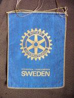 Vintage Fanion:    STOCKOLM-HUMLEGARDEN.       (SWEDEN).  -   ROTARY  INTERNATIONAL. - Organisations