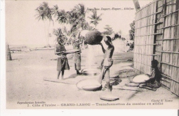 COTE D'IVOIRE 7 TRANSFORMATION D'UN MANIOC EN ATIEKE - Côte-d'Ivoire