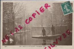 NEUILLY SUR SEINE - INONDATION 1910 - LA RUE PERRONET - Neuilly Sur Seine
