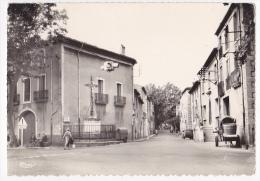 Saint Thibéry - Avenue De Béziers - Croix De La Mission (petite Animation, Feux Routiers Suspendus, Char, Benne, 2 CV) - Other Municipalities