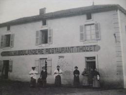 CPA Serrières Restaurant Thozet Animée - Frankrijk