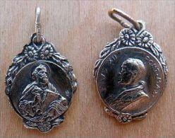 Mad-1110 Médaille Ancienne Ouvragée Anagramme à Définir Pius XII - Religion & Esotericism