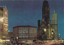 BERLIN (Allemagne) - Eglise Du Souvenir De L'Empereur Guillaume / Kaiser-Wilhelm-Gedachtniskirche (automobiles) - Charlottenburg
