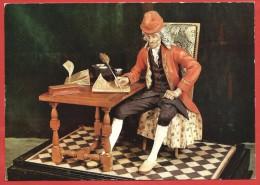 CARTOLINA NV FRANCIA - MUSEE CARNAVALET - Voltaire à Sa Table De Travail - 10 X 15 - Pittura & Quadri