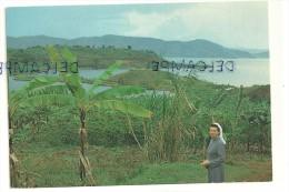 """Nyamasheke. Rwanda. """"Zuster Rachel Dankt U"""" - Rwanda"""