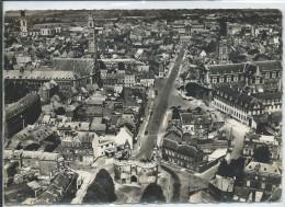 Cambrai-En Avion Au-Dessus De... Porte De Paris-Cathédrale.....(Cornée à L'angle En Bas à Droite,voir Scan)-(CPSM) . - Cambrai