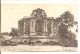 BOURGES     Le Chateau D´eau - Châteaux D'eau & éoliennes