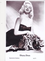 DIANA DORS - Film Star Pin Up - Publisher Swiftsure Postcards 2000 - Postales