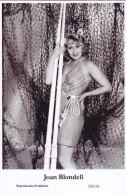 JOAN BLONDELL - Film Star Pin Up - Publisher Swiftsure Postcards 2000 - Postales