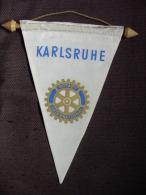 Vintage Fanion:    KARLSRUHE.    (ALLEMAGNE).  -   ROTARY  CLUB  INTERNATIONAL - Organisations