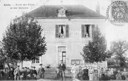 LEVIS  - Ecole Des Filles Et Des Garcons - Francia