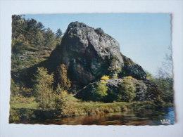 Le Rocher Du Sauvage Entre Tarnac Et Nedde à Rempnat       Scan Recto Verso - France