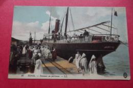 Cp  Tunis Bateaux En Partance - Piroscafi
