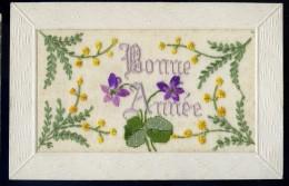 Cpa Carte Bonne Année Fleurie    AA16 - Brodées