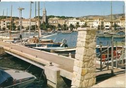 83. CPM. Var. Sanary-sur-Mer. Un Coin Du Port (bateaux, Voiliers, église) - Sanary-sur-Mer
