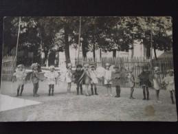 La ROCHE-sur-YON (Vendée) - Collège De Jeunes Filles - FÊTE Du COLLEGE - Vers 1930 - Elèves Déguisées - Ecole - A Voir ! - La Roche Sur Yon