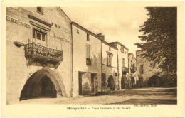 24/ CPA - Monpazier - Place Centrale - Autres Communes