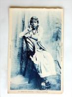 Carte Postale Ancienne : GRANDE COMORE : Femme Comorienne - Comores