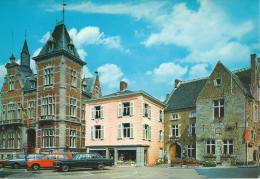 Fosses-la-Ville - Place Du Marché- Mercedès, VW, Etc ... - Fosses-la-Ville
