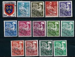 """Préo YT 105 à 118 """" Ecusson, Coq, Moissonneuse, 14 TP """" 1953-59 Sans Gomme"""