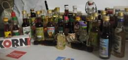 Über 80 Miniaturflaschen Ab 1965 Mit Einigen Rariräten - Miniaturflaschen