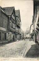 CPA- BEAUVAIS (60) - Aspect De La Rue De La Manufacture Au Début Du Siècle - Beauvais