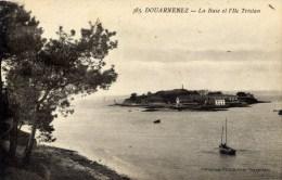 29 DOUARNENEZ   La Baie Et L´Ile Tristan - Douarnenez