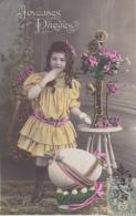 Cpa   - Joyeuses  Pâques - Fillette  Avec Panier D´ Oeufs Oeuf Et Rose - Pâques