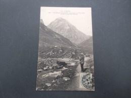Dep 65  Bagnères De Bigorre  Excursion Au Pic Du Midi  Le Pic  Vu Du Pont D'arizes (animée ) - Bagneres De Bigorre