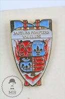Sapeurs Pompiers Vaucluse, France - Fireman/ Firefighter Pin Badge #PLS - Bomberos