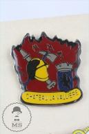 Sapeurs Pompiers Chateau La Valliere, France - Fireman/ Firefighter Pin Badge #PLS - Bomberos