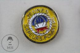 Jeunes Sapeurs Pompiers, France Fireman/ Firefighter - Pin Badge #PLS - Bomberos