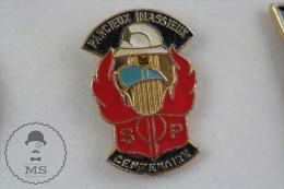 Parcieux Massieux, France Fireman/ Firefighter - Pin Badge #PLS - Bomberos