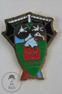 Sapeurs Pompiers Sivom Du Coudray St Germer, France Fireman/ Firefighter - Pin Badge #PLS - Bomberos