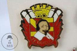 Richelieu France Sapeurs Pompiers  Fireman/ Firefighter - Pin Badge #PLS - Bomberos