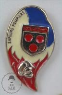 Courtenay France Sapeurs Pompiers Fireman/ Firefighter - Pin Badge #PLS - Bomberos