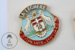 Sapeurs Pompiers La Lechere France - Fireman Firefighter - Pin Badge #PLS - Bomberos