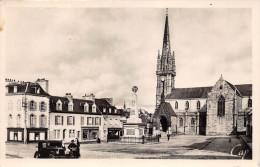 """¤¤  -   3   -   LANDIVISIAU    -   Place De L'Eglise Et Monument Aux Morts  -  Magasin """" Pinvidic """"       -  ¤¤ - Landivisiau"""
