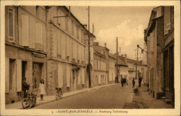 17 - SAINT-JEAN-D'ANGELY - - Saint-Jean-d'Angely