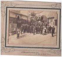 Photo Rassemblement à MONFLANQUIN (lot Et Garonne) Devant L´hotel Capdeville Delbos. (F.2292C)) - Places